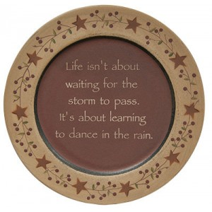 TheHearthsideCollection Dance in the Rain Plate HTSD1042
